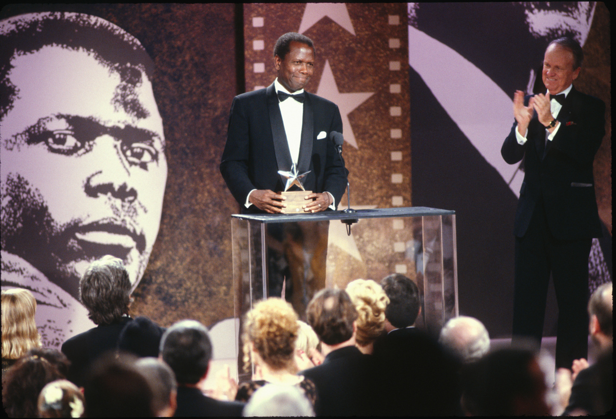 Sidney Poitier accepts the 20th AFI Life Achievement Award in 1992.